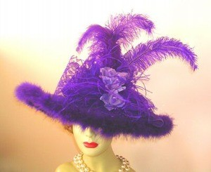 Ladies Purple Victorian Hat With Roses Feathers NY Fashion Hat 8YGY